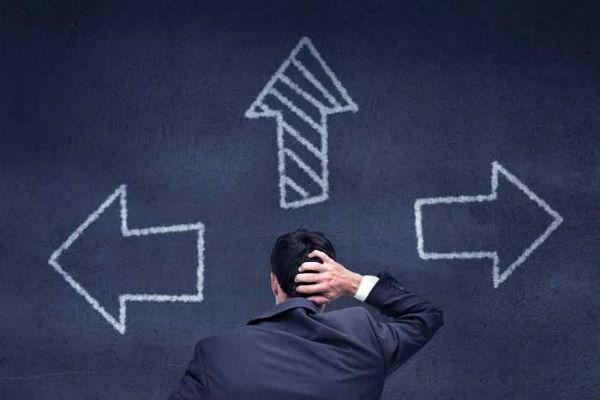Где и как можно занять деньги в долг быстро?