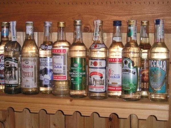 Путин отвергает резкое повышение налогов на алкоголь и сигареты