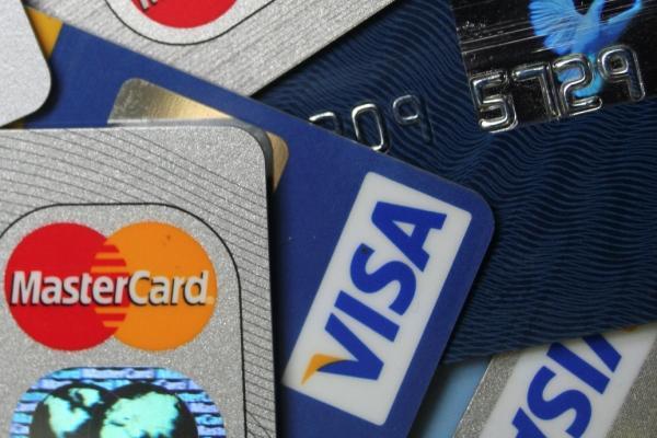 Какие карты платежных систем VISA или  MasterCard  могут пригодиться для работы в интернете?