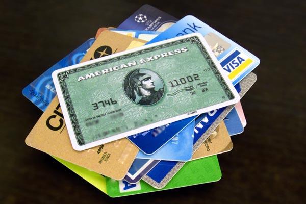 Правила экономии денег на кредитке за границей