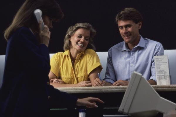 Хотите получить помощь в оформлении кредита? А стоит ли?