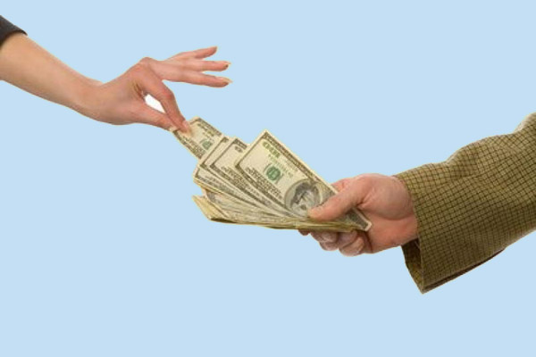 Кому дадут кредит быстрее?