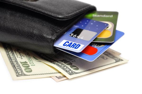 Что может дать кредитная карта тем, кто выезжает за границу?