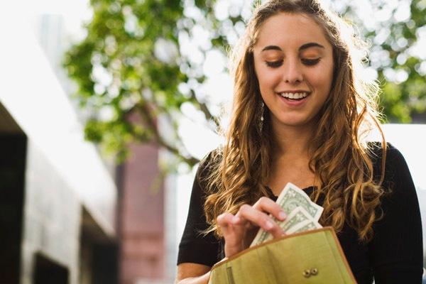 Как взять деньги в долг срочно?