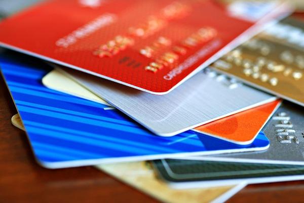 Бонусные программы по кредитным картам – откуда берутся и куда деваются баллы?