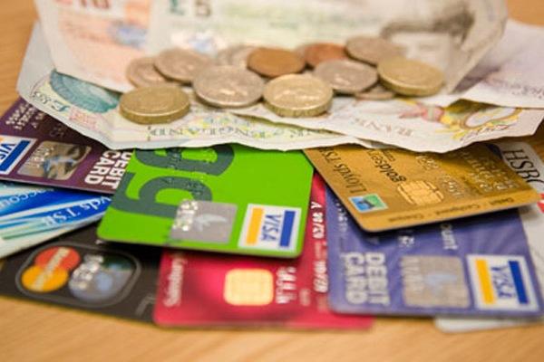 Кредитные карты банков и переплаты, которые они влекут