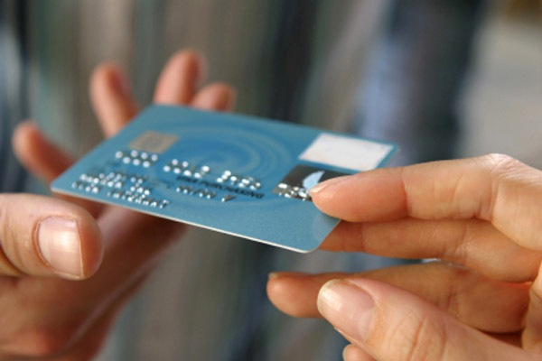 Как получить кредит на зарплатную карту?