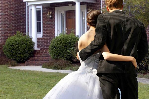 Как молодоженам получить кредит на жилье?