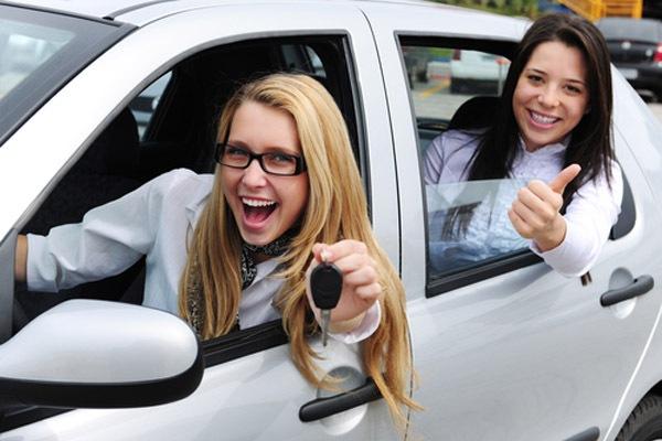 Нужен ли поручитель, чтобы взять автокредит?