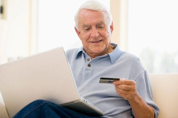 Сможет ли пенсионер получить кредитную карту?