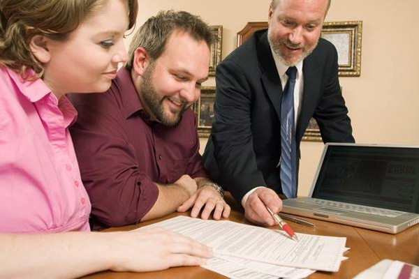 Как взять ипотеку вскладчину или Зачем нужен созаемщик?