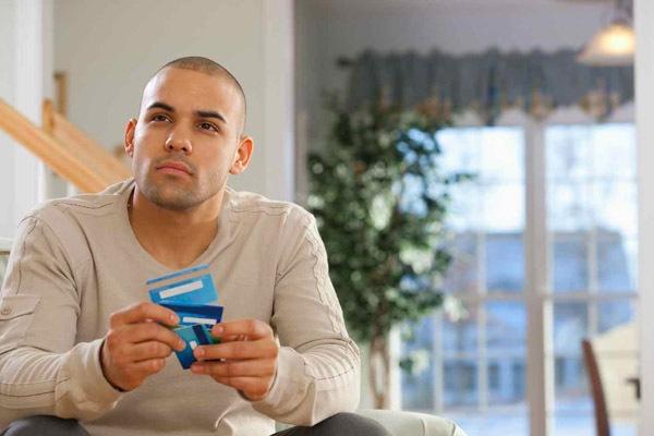 Пять способов пополнить счет банковской карты наличными