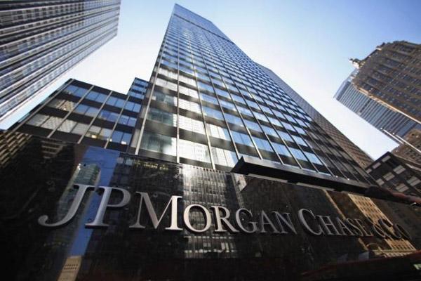 Акционеры банка JP Morgan хотят подать на директора в суд