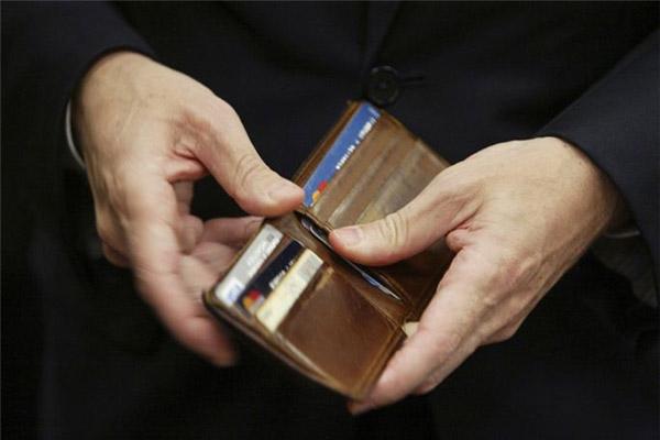 Поездка за границу – «вооружаем» бумажник