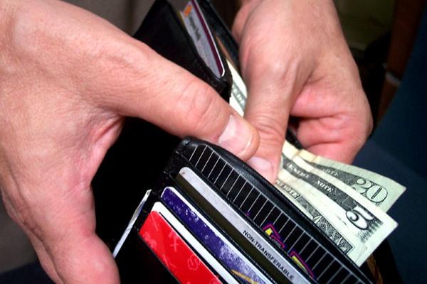 Как пользоваться кредитной картой, чтобы снизить расходы?