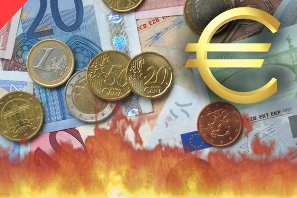 Евровалюта дешевеет, но экономика здесь ни при чем