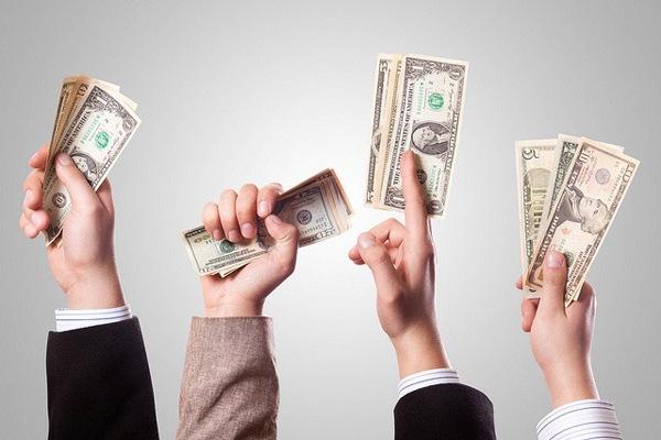Как взять кредит в банке в периоды, когда кредитов не дают?
