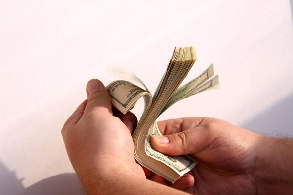 Как быть, ежели вас требуют одолжить средства?