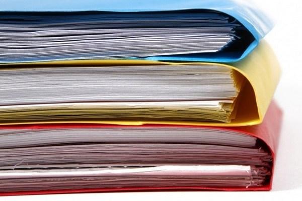 Обязательные документы для оформления кредита: справка о доходах.