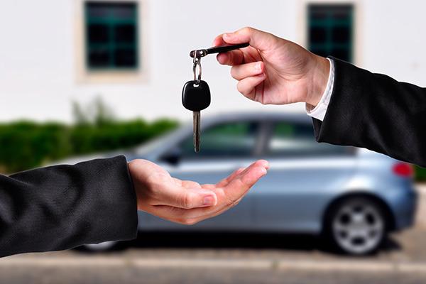 Как банки продают залоговые машины?