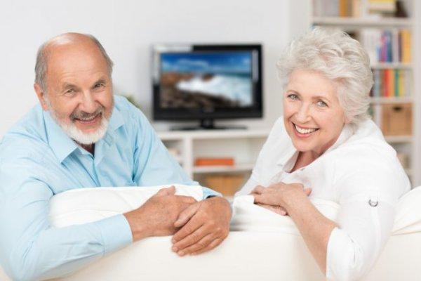 Как возраст заемщика влияет на шансы получения кредита?