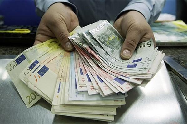 Получение в кредит большой денежной суммы