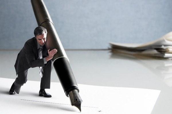 Поручитель по кредиту: стоит ли им становится