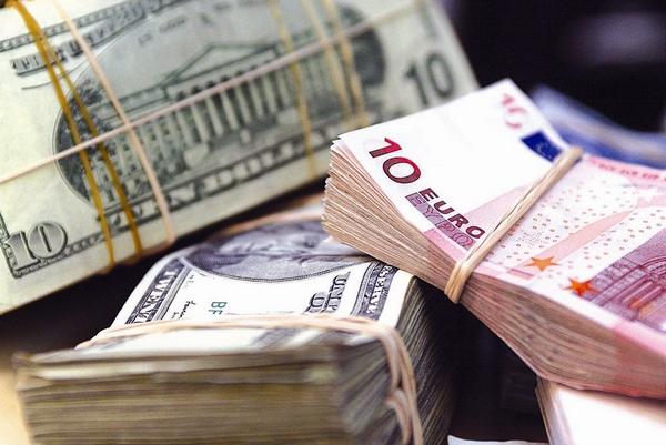 В какой валюте хранить сбережения, чтобы не прогадать.
