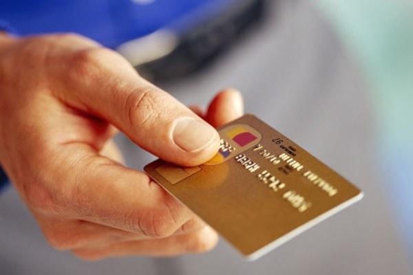 О получении кредита на банковскую карточку