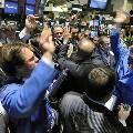Фондовые рынки лихорадит из-за падения акций турфирм