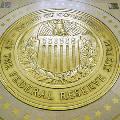 ФРС объявил, что не будет поднимать ставки